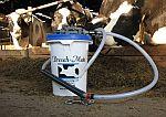 Nálevy pro krávy Drench-Mate, drenčovací pumpa