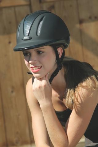 Jezdecká helma Carbonic