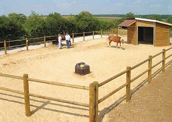 napáječky pro koně La Buvette
