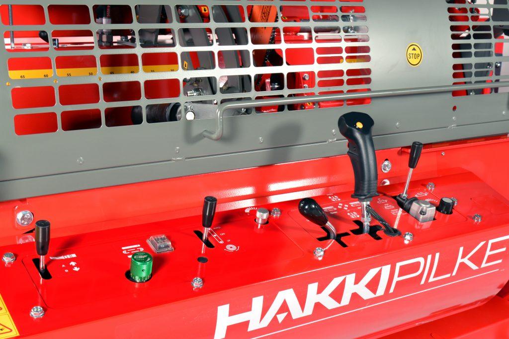 Elektrický procesor HakkiPilke 35 Electric na zpracování palivového dřeva