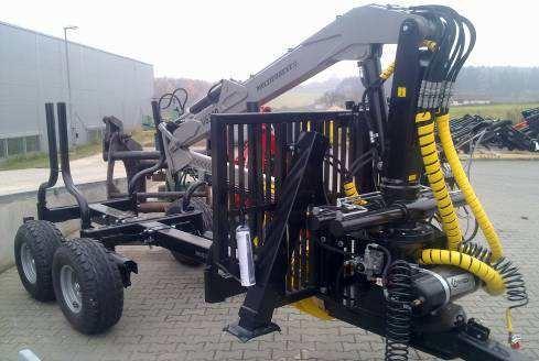 Lesní vyvážečka dřeva za traktor Multiforest MF650 s nakládacím ramenem V4800