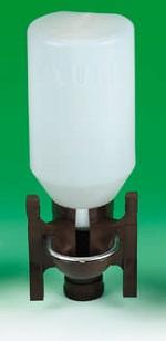 Napáječka automatická s plastovou láhví 1,5 l pro ptactvo a malá zvířata